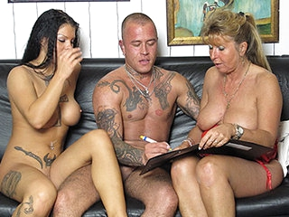 Petra Wegat about German Cougar teaches a young buckle - MMVFilms