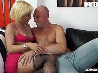 AMATEUR EURO - Bazaar Mateur Analisa Lovex Has Hardcore Anal Sex Beside Italian Stud