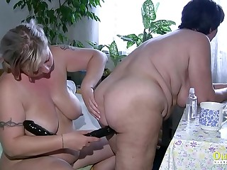 OldNannY Plumper Mature Lesbians Playing Draw up