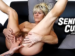 Closeups be useful to most assuredly old hairy cunt be useful to granny Linda