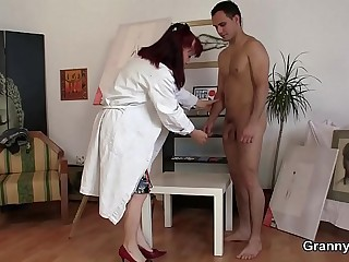 Horny mature woman gets meagre