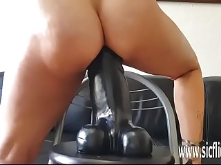 Sarahs colossal dildo screwing orgasms
