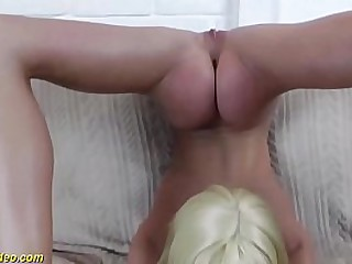 milf gymnast thither ground-breaking flexi positions